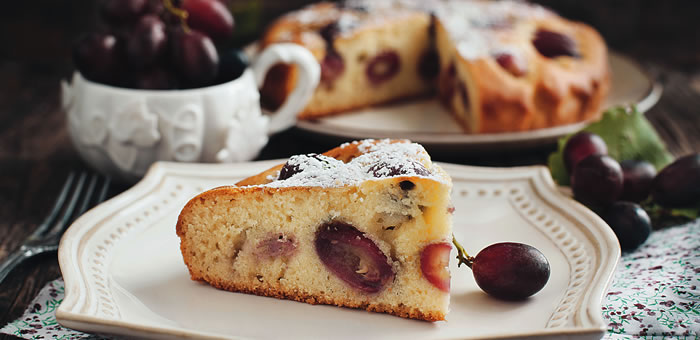 grapes cake top