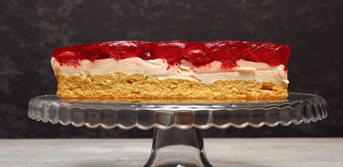 strawberry-jelly-cake top